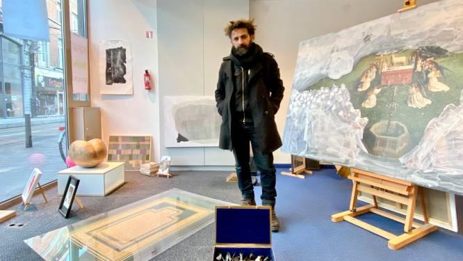 """Kunstenaars tonen en verkopen hun werk in leegstaande winkelruimte: """"Elke dag komt er nieuwe kunst bij"""""""