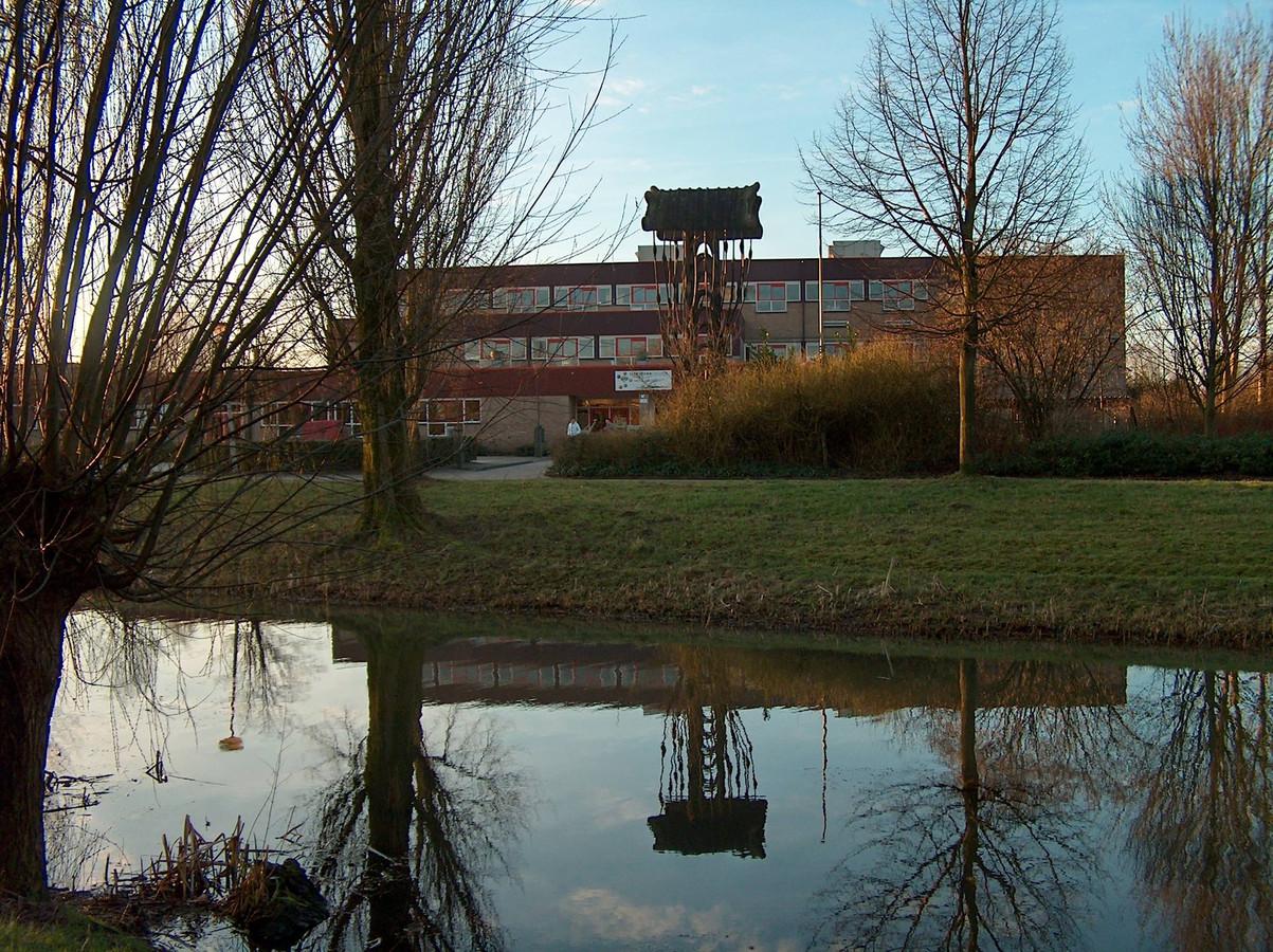 Het Isendoorn College in Warnsveld. Leerlingen van deze school behaalden een tweede plek bij de jaarlijkse KNAW Onderwijsprijs.