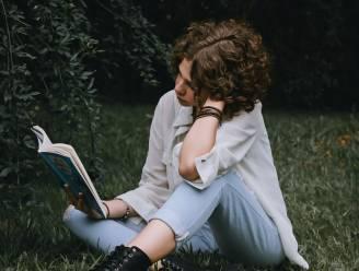 TikTok lanceert nieuwe trend ... lezen! Door #BookTok zijn jongeren opnieuw verslingerd aan boeken