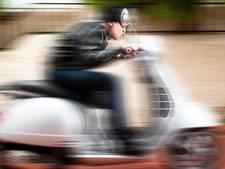 Snorfietser (16) vlucht voor politie vlak bij plek overval Zevenbergen, jongen bleek geen rijbewijs te hebben