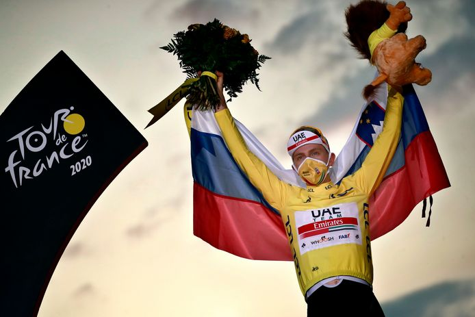 Tourwinnaar Tadej Pogacar is een goeie vriend van Jasper Philipsen.