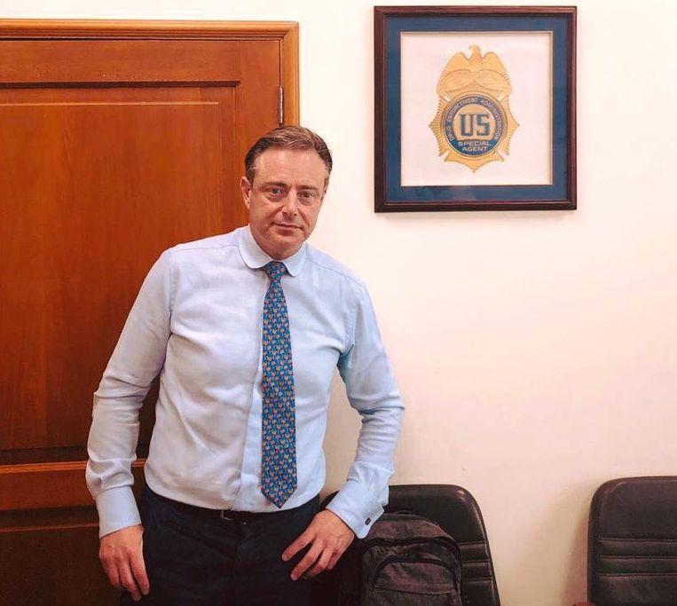 Hoewel op voorhand was gezegd dat de Colombia-reis niet in het teken zou staan van de strijd tegen internationale drugshandel, bezocht De Wever in Cartagena toch een kantoor van de Amerikaanse Drug Enforcement Administration (DEA).