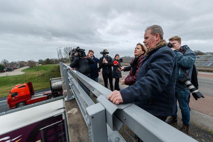 Minister Cora van Nieuwenhuizen was in januari 2019 op uitnodiging van bewoners uit Helwijk en Heijningen ter plekke om de geluidsoverlast van de A4/A29 te ervaren waar bewoners dagelijks overlast van ondervinden.