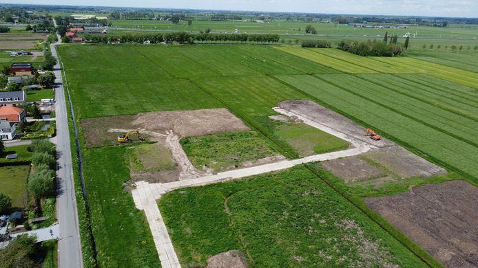Toekomstig bedrijventerrein Groote Haar, met links de Haarweg. In de verte is de A27 zichtbaar. Vanaf die snelweg wordt een bouwweg aangelegd om het nieuwe terrein te bereiken.