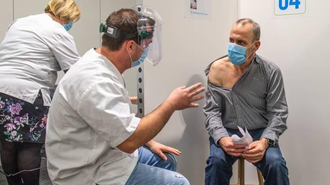 """Meer dan 53.000 streekgenoten gevaccineerd in Denderdal: """"99,17 procent van 65+'ers kreeg al minstens één prik"""""""