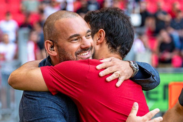 Wesley Sneijder trof wat oude bekenden in Eindhoven.