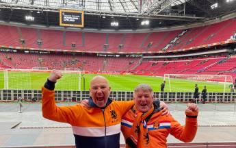 Oersupporter uit Goes emotioneel bij terugkeer op de tribune bij 'zijn' Oranje