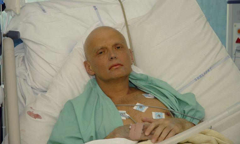 Ex-spion Aleksandr Litvinenko op zijn sterfbed. Beeld ANP