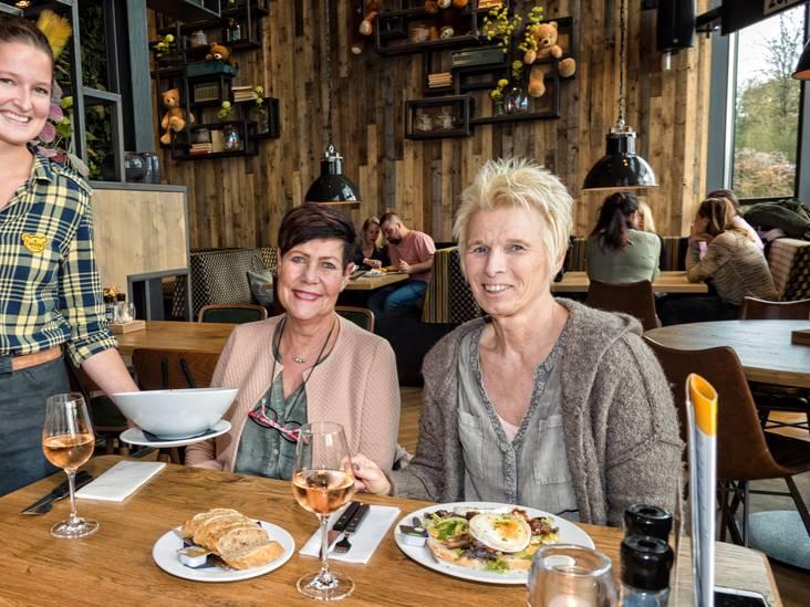 Frisse salade en aardige bediening bij De Beren in Gouda