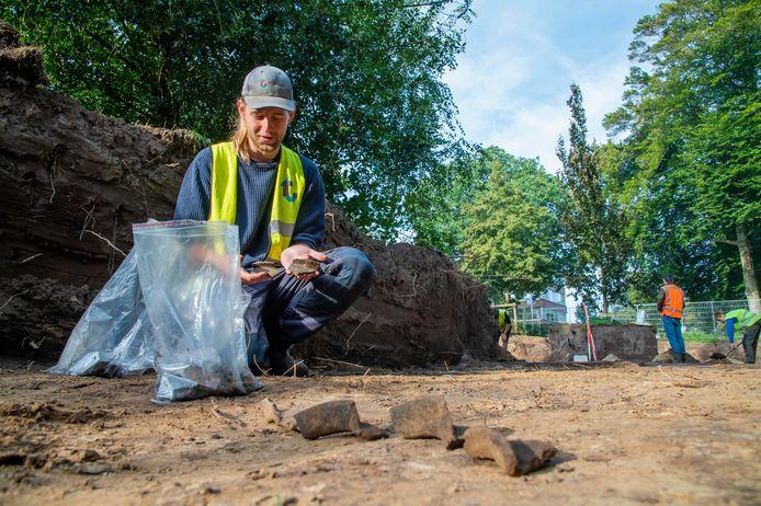 Opgravingen in Ermelo, met Daniël Scheeringa.