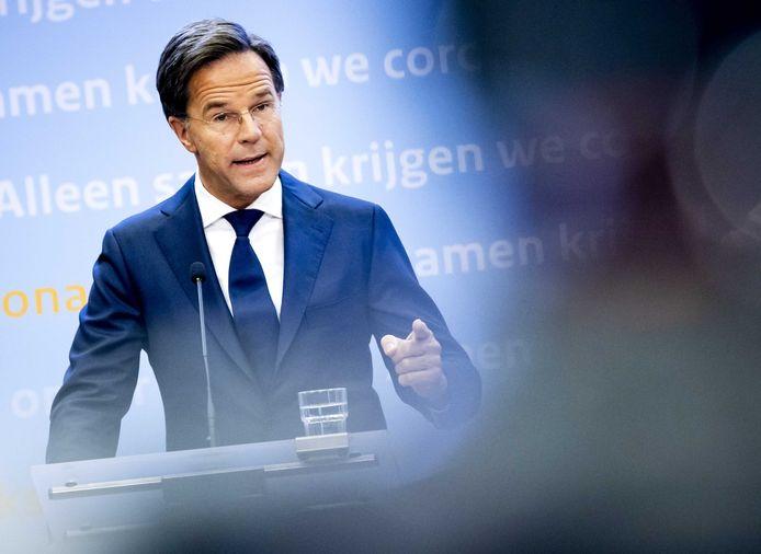 Premier Mark Rutte tijdens een persconferentie.