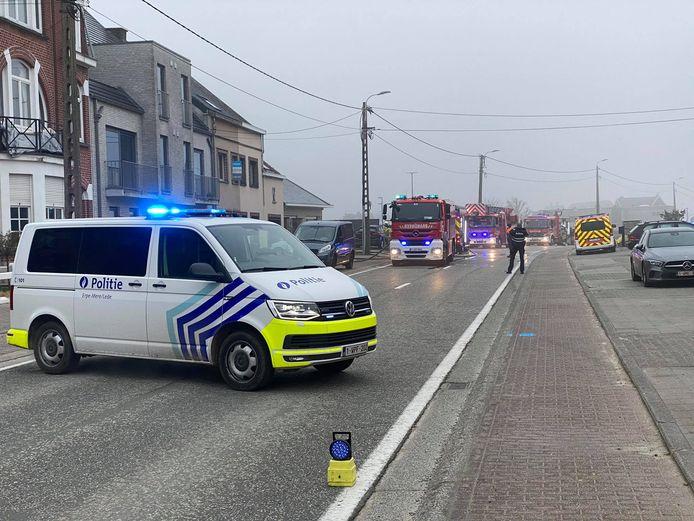 Het verkeer kon in de Hoogstraat kon tijdelijk niet passeren.