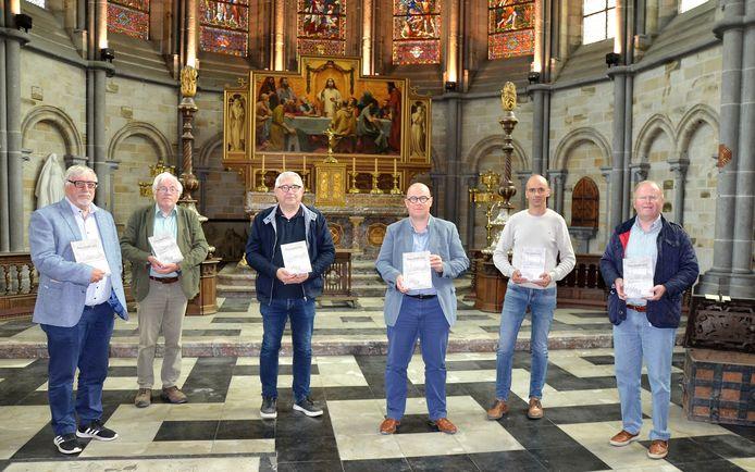 Het boek werd door het redactieteam voorgesteld in de Sint-Maartenskathedraal in Ieper.