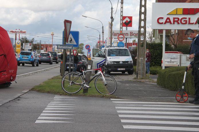 Het kruispunt van de Brugsesteenweg en de Rotsestraat in Roeselare.