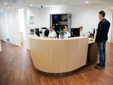 Senioren in actie tegen sluiting kliniek in Beneden-Leeuwen