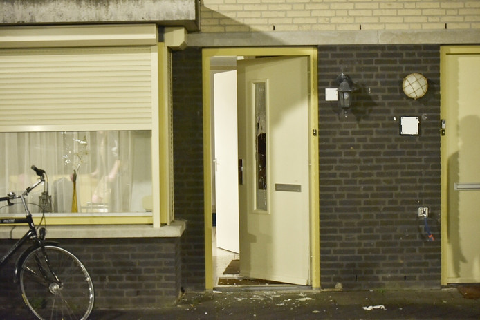 Bij een huis aan de Ruwerstraat werd een overval gepleegd waarbij de bewuste tv werd ontvreemd.