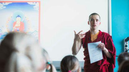 Monnik Giel donderdag in 'De Ideale Wereld' op Canvas