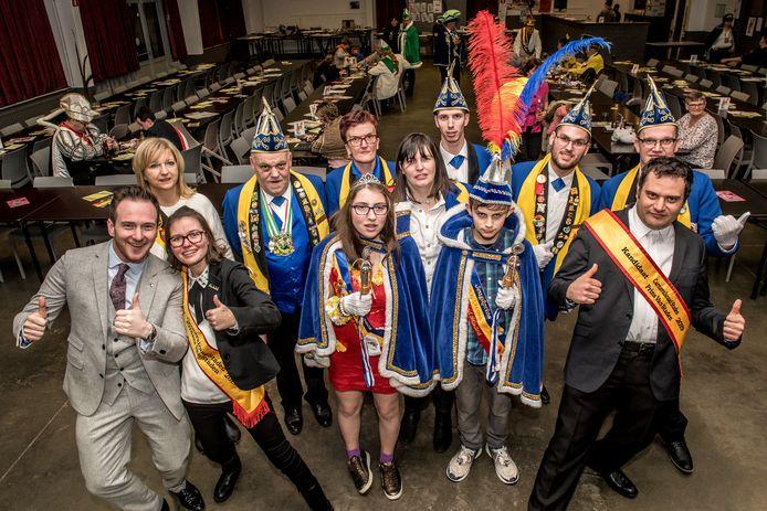 Melissa Devos (23) en Bart Degroote (32) zijn de eerste prinses en prins carnaval van Staden.