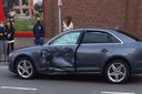 De Audi A4 die in Deerlijk werd aangereden door de gangsters die achtervolgd werden door de politie, liep zware schade op.