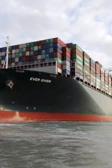 Canal de Suez bloqué: le propriétaire du navire tente de négocier sa facture de... 900 millions de dollars