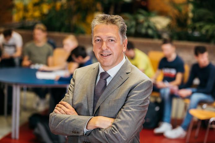 Jan Bakker Voorzitter College van Bestuur Calvijn College