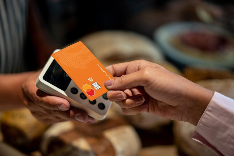 De nieuwe betaalkaart van Just Eat Takeaway (het moederbedrijf van Thuisbezorgd.nl) in samenwerking met Adyen. Beeld Just Eat Takeaway