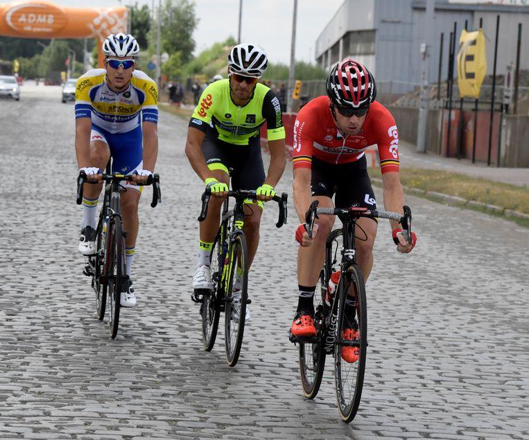 Ista tussen Jonas Rickaert (l) en Jurgen Roelandts. Beeld belga