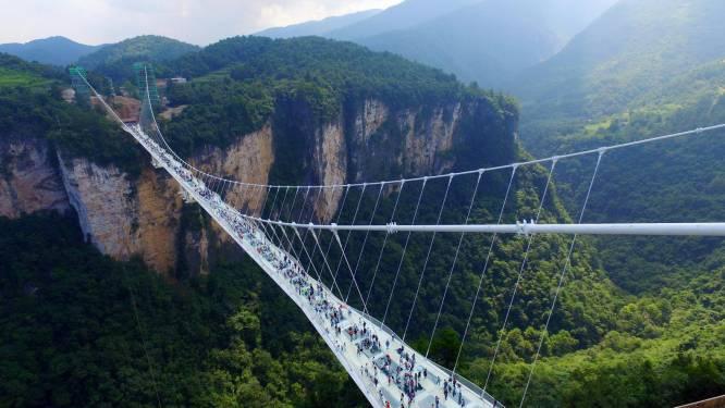 Chinese provincie sluit alle glazen bruggen na dodelijke ongelukken