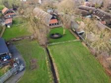 Staphorst moet aan de slag met klachten buren over 'rommelschuur' in Rouveen