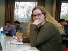 Kimberley protesteert tegen leenstelsel: 'Studieschuld is zo hoog, ik durf niet eens te kijken'