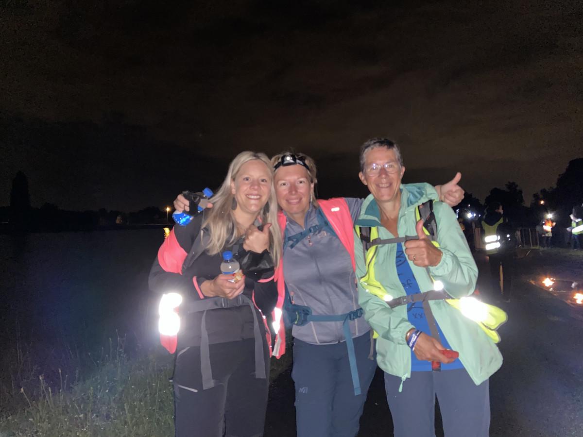 Lieve, Wendy en Chris aan de eerste post in Viersel