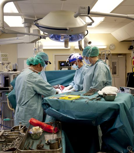 Vrouw bevalt van gezonde baby na baarmoedertransplantatie