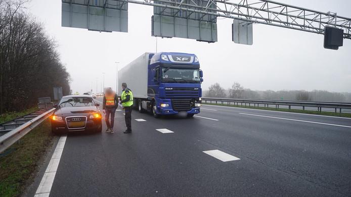 Het ongeluk vond plaats op de A1 tussen de afritten Deventer-Oost en Deventer.