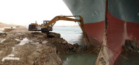 """Canal de Suez: le navire devrait être remis à flot ce soir... ou """"la semaine prochaine"""""""