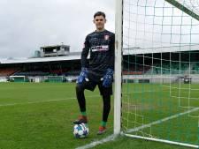Ronald Vlot debuteert als 19-jarige in het betaalde voetbal: 'Ik had geen tijd om zenuwachtig te worden'