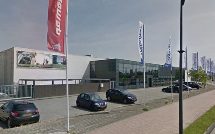 De Vrijbuiter megastore in Roden, waar De Waard Tenten onderdeel van is.