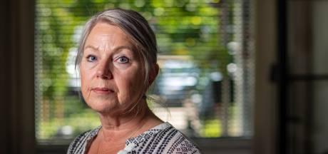 Yolande (57) werd slachtoffer van vuurwerkbom in Deventer: 'Ik dacht: dit is het, een aanslag'