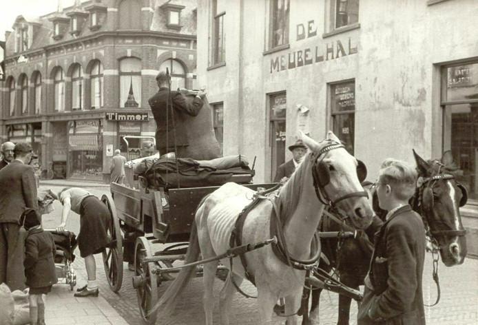 Soms met alleen het hoogstnodige, soms met behoorlijke inventaris begonnen de Arnhemmers aan hun tocht naar de Veluwe.