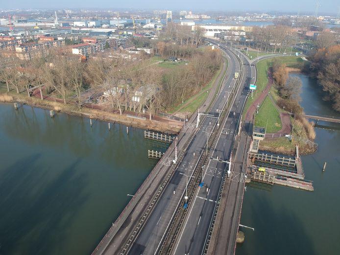 Afgelopen zondag werd er niet aan de Wantijbrug gewerkt.