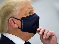 Veel te zwaar en zeventigplus: hoeveel gevaar loopt Trump nu hij besmet is met corona?