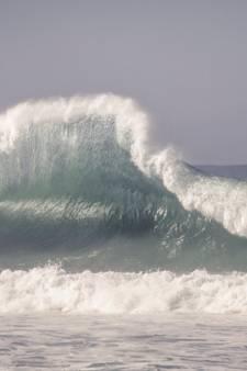 Une famille emportée par une vague en France