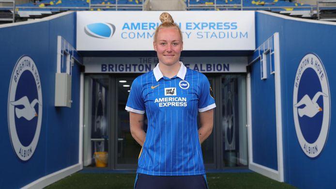 Danique Kerkdijk verlengt haar contract bij Brighton and Hove Albion.