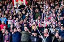 In Tilburg is de band tussen voetbalclub Willem II en stad vele malen sterker dan in Den Bosch.