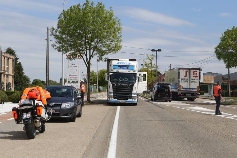 De voetganger werd gegrepen door een vrachtwagen