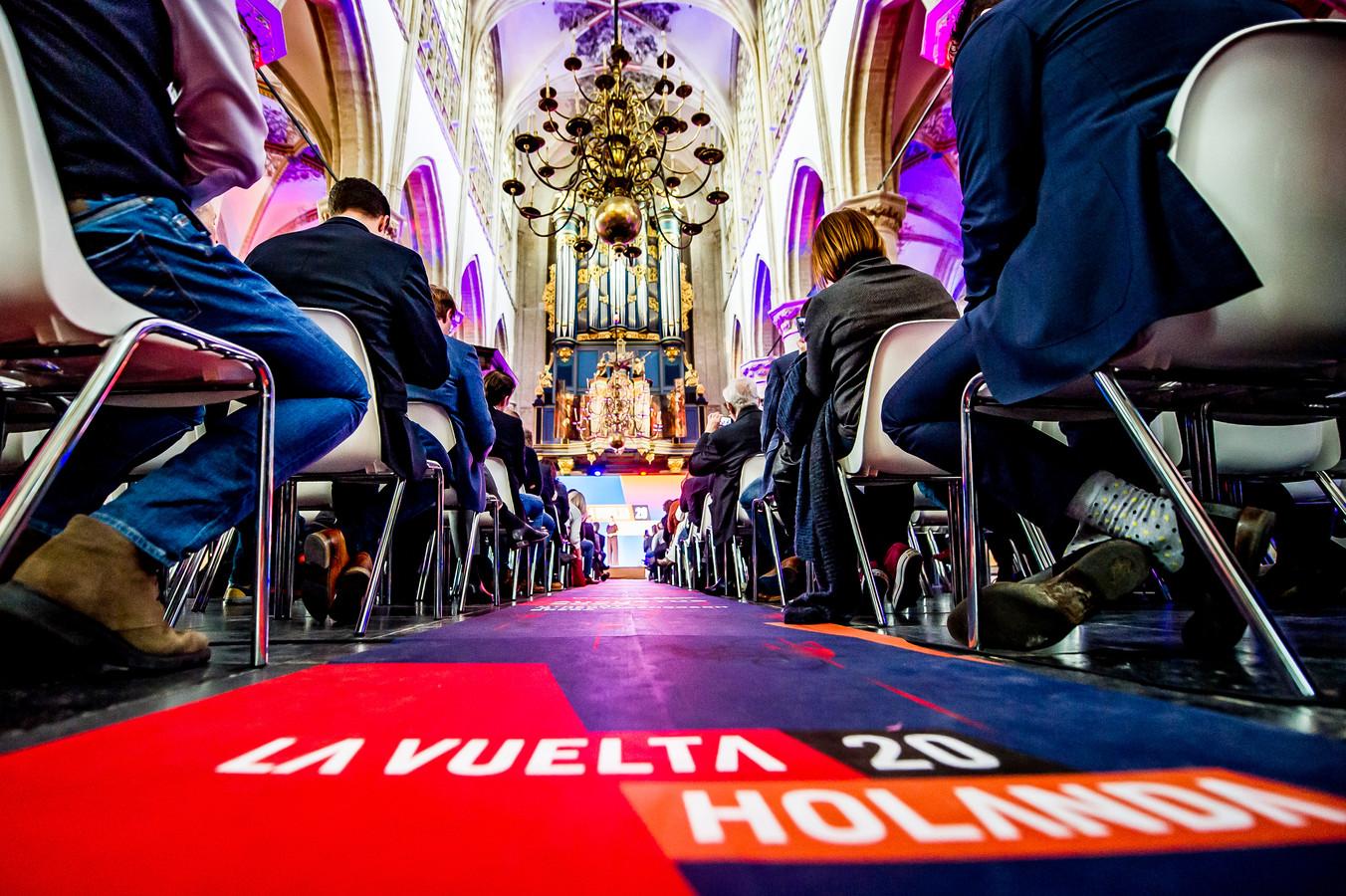 Onder belangstelling van de internationale pers en hoogwaardigheidsbekleders werden vol trots de eerste 3 etappes van de Vuelta 2020 gepresenteerd.