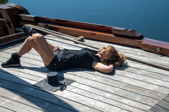 Muzikant Ellen ten Damme voelt zich al thuis in Harderwijk. Ze woont zelf op een woonboot.