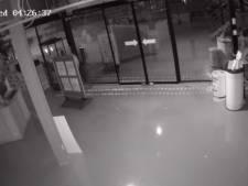 Twee onbekenden snuffelden rond bij Multimedia Center Almelo in nacht voor inbraak