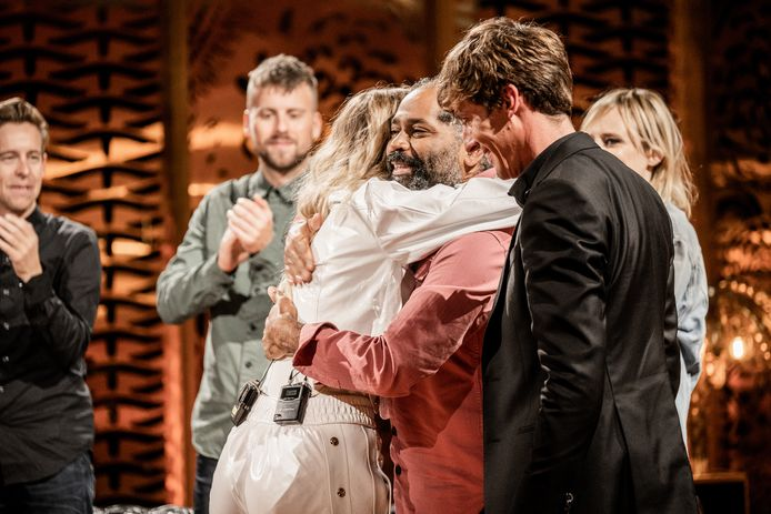Emma Bale raakte vanavond een gevoelige snaar bij Ronny Mosuse in de laatste 'Liefde voor Muziek'.
