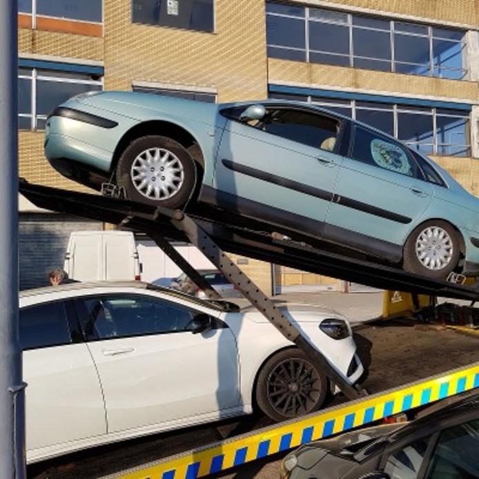 Negen auto's werden in beslag genomen.