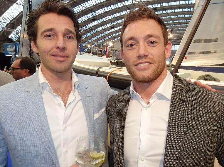 Patrick Verhulst (Samsumg) en Roeslan Danoekoesoemo (r), de man die voor Heineken de deals sluit voor de James Bond-films. Beeld Schuim